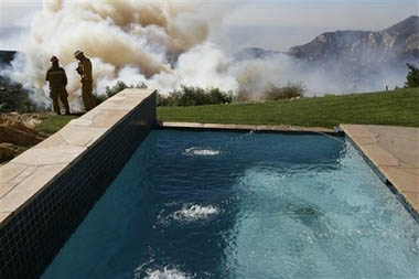 swiming pool, wildfires, california