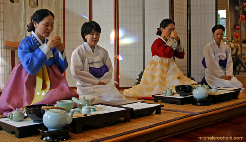 korean tea ceremony yoon hee kim micheleroohani