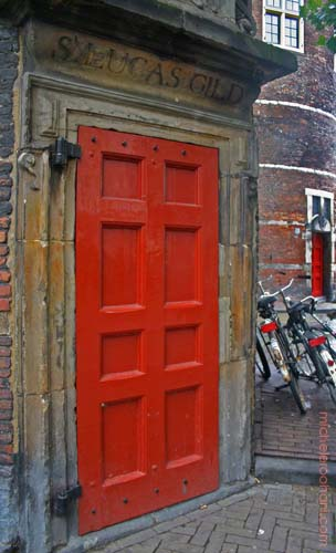 red door amsterdam michele roohani
