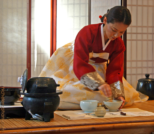 yoon hee kim preparing tea michele roohani