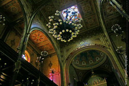 Budapest Great Synagogue interior chandelier michele roohani