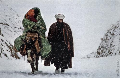 exodus from afghanistan 1990 reza deghati michele roohani