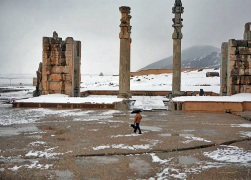 newsha tavakolian persepolis under snow michele roohani