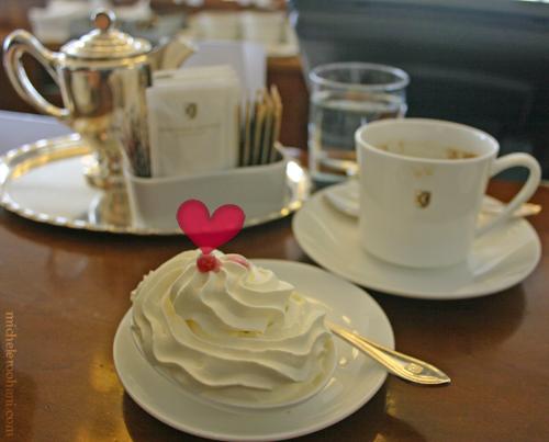 sprungli cream rahm valentine micheleroohani